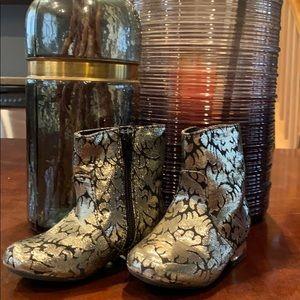 Genuine Kids / Oshkosh Sparkle Boots 🥾